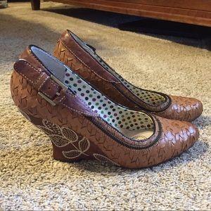Kenzie wedge heels